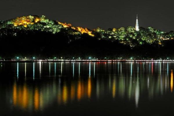 【每周三固定活动】 夜走西湖 西湖美景中夜走 活力四射