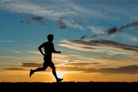 夜跑钱塘江 享受跑步 慢跑 快跑 有氧无氧跑