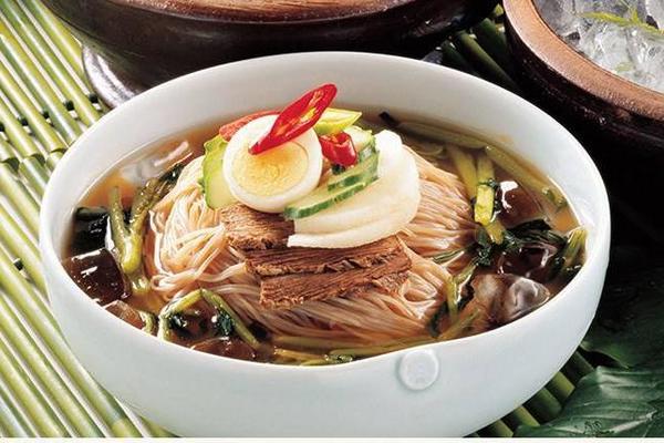 光阴似箭 岁月如歌 杭州溪山行户外俱乐部3月生日祝福聚餐