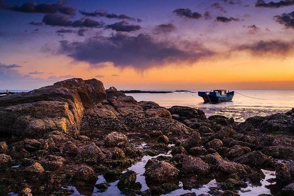 月牙沙滩+海影城||聆听大海的心声,穿越到民国年代,体验一场海鲜盛宴!