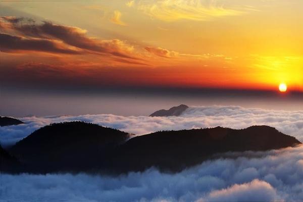 【逐日东白山】10.14-15 徒步露营东白山,看云海,风车,星空,日出大片美景