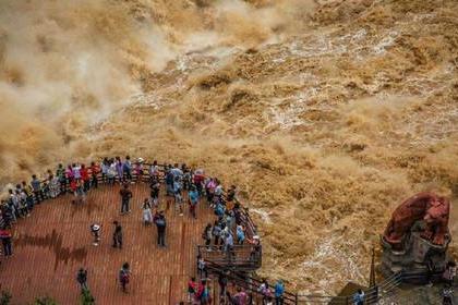 独家徒步穿越中国最美峡谷:秘境穿越•虎跳峡玉龙雪山徒步四天之旅