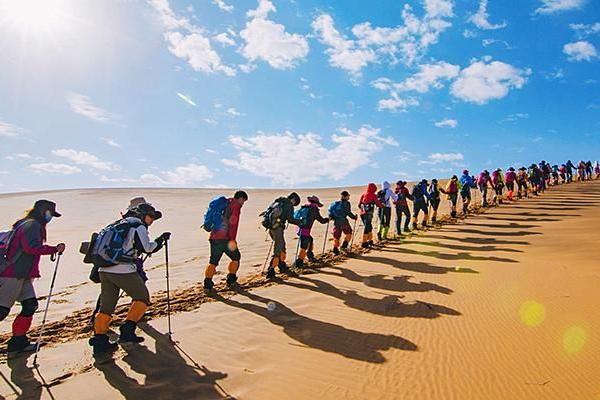 穿越腾格里沙漠 | 越野车冲浪,带您探寻不一样的腾格里