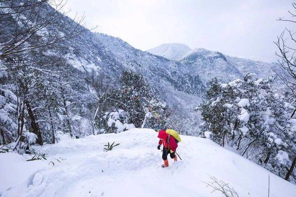活动成型[江南雪景]12月31日 登杏梅尖 赏龙门飞瀑 游龙门古镇,观雪、雾凇奇景