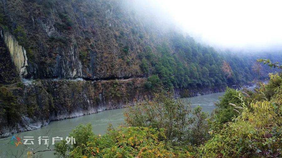 A6:探秘三江并流 老姆登-丙中洛-茨中教堂-梅里雪山-香格里拉-虎跳峡 7日越野之旅