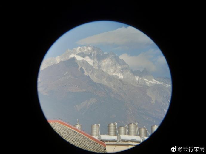 望远镜看玉龙雪山,还是不够近