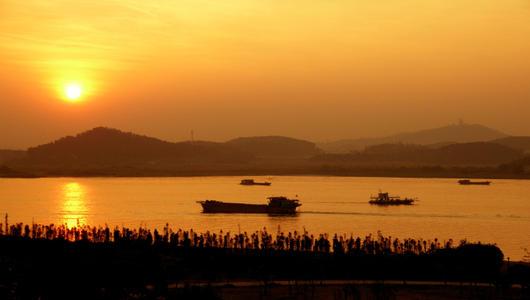 两岸青年寻迹京杭运河交流活动在上海拉开序幕